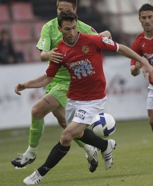 Víctor en un partido contra el Murcia