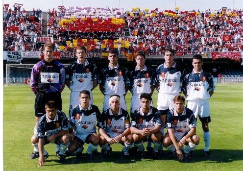 Alineación 95-96 - Arriba, Kike, Petkovic, Jose Mari, Dani, Kientz y Copado. Abajo, Morales, David, Paco Soler, Olaizola y Maqueda.